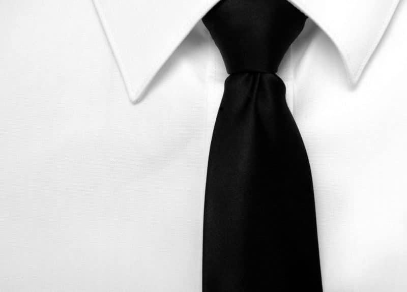 עורך דין - מיכאל כרמלי | צווארון לבן